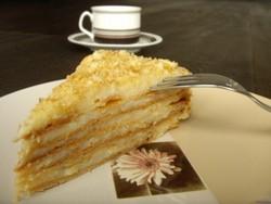 Испеките торт «Наполеон» - это будет самый лучший десерт к празднику!