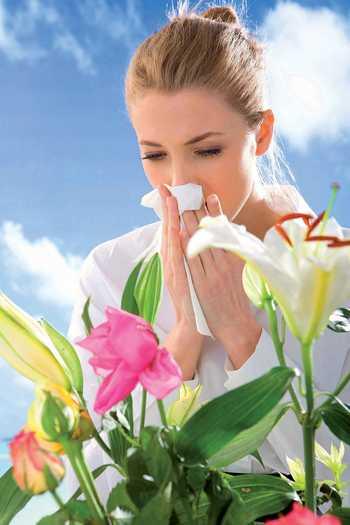 Боли в области желудка и субфебрильная температура