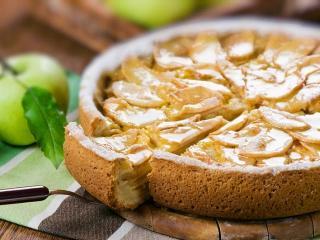 Фруктово-ягодный пирог со сметанным кремом