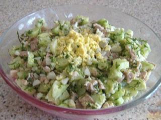Салат из печени трески. Простые рецепты вкусных салатов