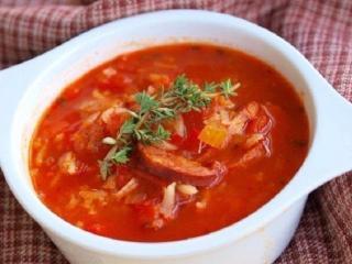 Томатный суп с копченой грудинкой. Вкусные рецепты первых блюд