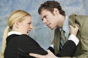 В отношениях всегда участвуют, как минимум, двое. И, как минимум, двое могут быть виноваты в том, что эти отношения разрушены.