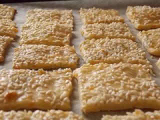 Печенье с сыром и кунжутом