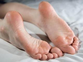 Как избавиться от мозолей и натоптышей (уход за ногами)