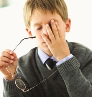 Близорукость, или миопия, у ребенка: как вовремя распознать проблему?