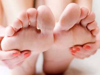 Какой врач лечит косточку на ногах