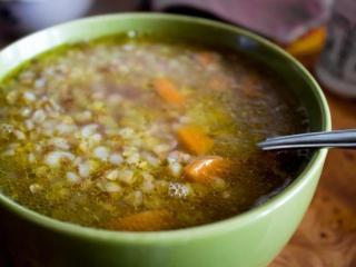 Гречневый суп с мясом в мультиварке