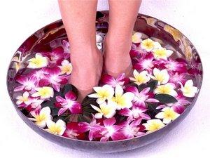 Уход за ногами: рецепты ванночек для ног