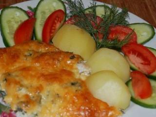 Запеченное рыбное филе с помидорами