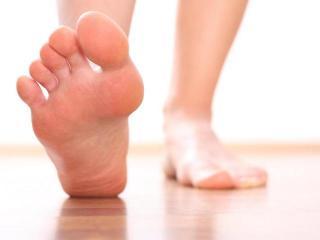 уход за ногами от холодного пота