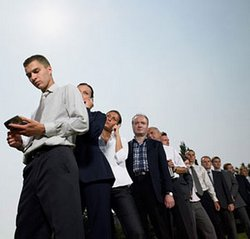В средствах СМИ постоянно убеждают соискателей денежных вакансий в том, что за трудоустройство денег не берут