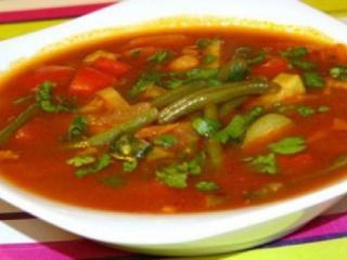 Суп с рисом, зеленой фасолью и болгарским перцем