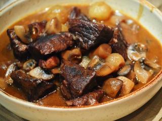 Говядина по-бургундски - рецепт с фото