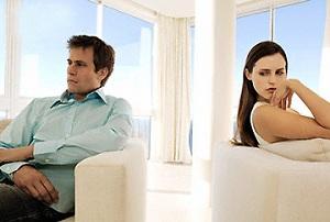 В доме спокойно, есть достаток, муж с массой достоинств, а счастья нет. Радости от такой жизни нет.