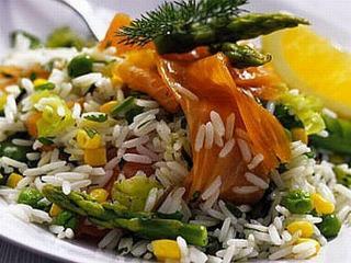 Яблочный салат с рисом и спаржей