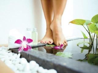 Уход за ногами. Смягчающие ванночки для стоп
