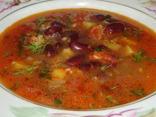 """Томатный суп с фасолью """"Чили кон корне"""" - украшение обеда и любимое блюдо для гурманов."""