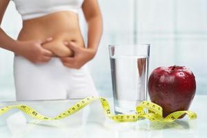 Теряя лишние килограммы можно потерять и упругость кожи. Особенно это касается тех, кому уже за 30
