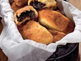 Картофельные пирожки с черносливом