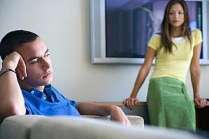 Нельзя забывать, что потеря работы одного члена семьи касается дел всей семьи.