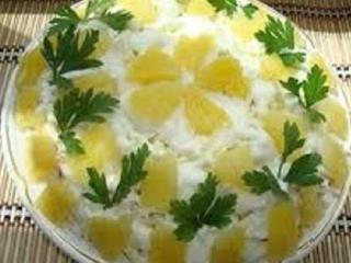 Фасолевый салат с ананасами
