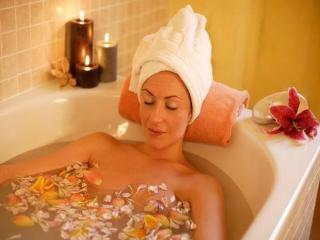Лечебные ванны для молодости и красоты кожи (уход за телом)