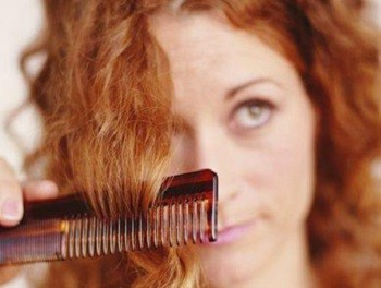 Почему ломаются волосы и как их лечить