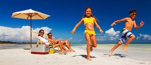 Как провести отпуск: всей семьей или все же отдохнуть от всего на свете?