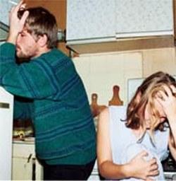 Мужчина реагирует на потерю работы в зависимости от собственного мировоззрения. И жене надо это учитывать.