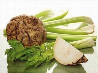 Основой сельдереевой диеты составляет суп и сок из сельдерея. Похудение на сельдерее полезно и эффективно.