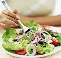Уникальные свойства супа и сока из сельдереея помогут вам справиться с лишним весом!