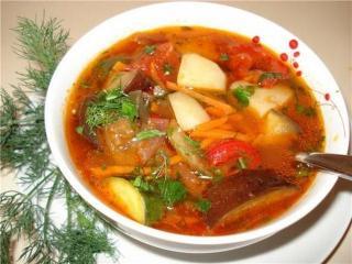 Овощной суп со свининой