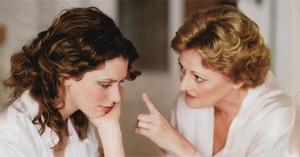 Когда мама должна начать перестраивать себя, чтобы стать хорошей подругой для своей взрослеющей дочери?