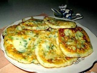 Оладьи из брынзы с зеленым луком