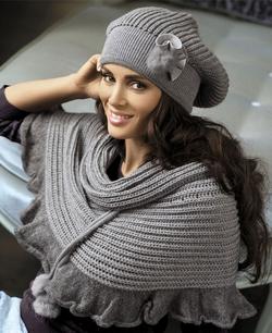 женскин модные весенние шапки