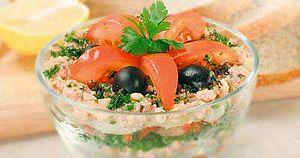 рецепт с фото салат с килькой в томатном соусе