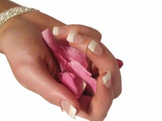 Питательные смеси  для  ногтей и кожи рук