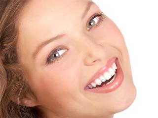 Сверкающая здоровая улыбка