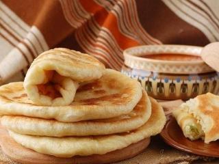 Картофельные лепешки с кунжутом и фундуком