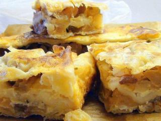 Греческий яблочный пирог с виноградом к чаю - лучшее завершение вашего обеда!