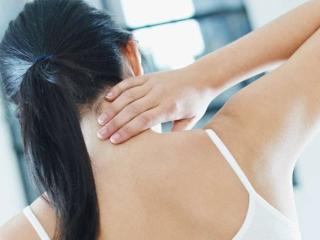 Смещение шейных позвонков: причины, лечение