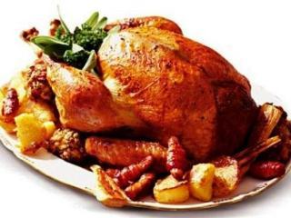 Жареный гусь, фаршированный яблоками. Праздничный рецепт блюда из гуся к Рождеству и Новому году. Русская кухня