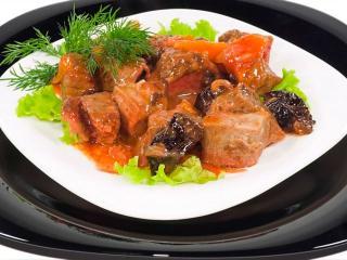Кролик со сливами. Вкусный рецепт второго блюда.<br> Блюда из кролика