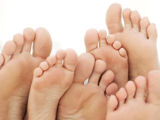 Мозоли на ногах.  Избавление от мозолей в домашних условиях (уход за ногами)