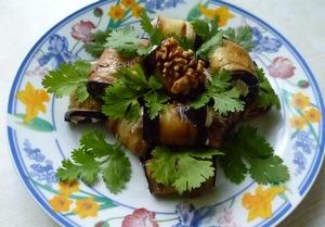 Рулетики из баклажана с творожной начинкой – кулинарный рецепт