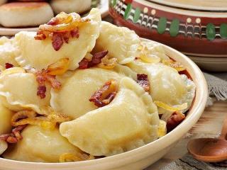 Пельмени с картошкой, творогом и луком