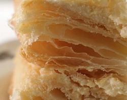 Если вы хотите сделать торт «Наполеон» на пиве, воспользуйтесь предлагаемым кулинарным рецептом.