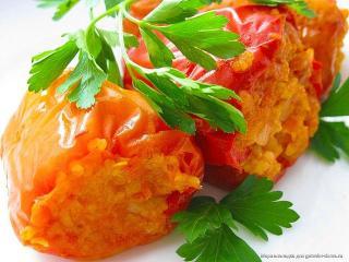 Фаршированный перец с овощами и сыром - рецепт с фото