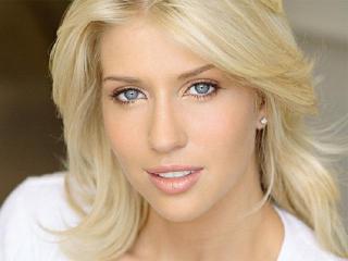 Естественный макияж для блондинок. Основные рекомендации визажистов