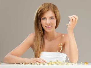 Витамины необходимо принимать для красоты волос, кожи и ногтей. А какие витамины полезны, вы узнаете из статьи.